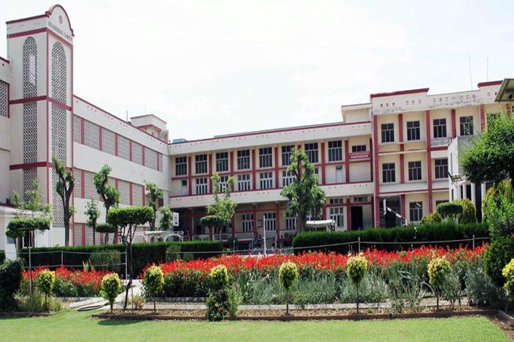 https://cache.careers360.mobi/media/colleges/social-media/media-gallery/10116/2020/2/20/College View of Guru Nanak Khalsa College for Women Ludhiana_Campus-View.jpg